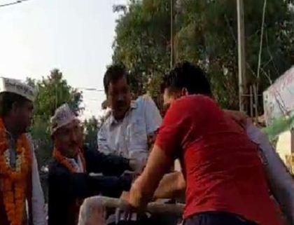 Arvind slapped, blame on BJP