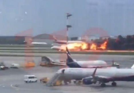 रूस में यात्री विमान दुर्घटनाग्रस्त, 41 मरे