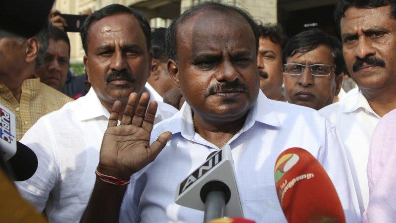 केंद्र में एनडीए के संकेतो के साथ कुमारस्वामी व कमलनाथ सरकारो पर संकट छाया