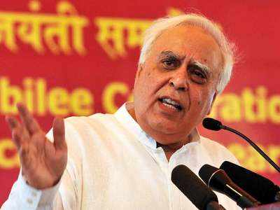 कांग्रेस के लिए दिल्ली अभी दूर: सिब्बल